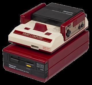 Imagen del FDS (Famicom Disk System), arriba la Famicom y abajo una disquetera