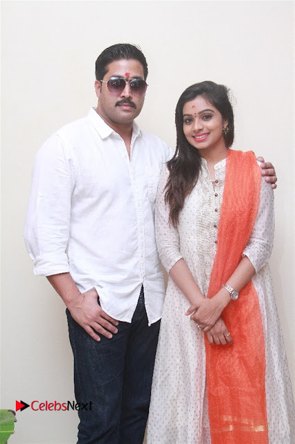 Aama Naan Porikkithan Tamil Movie Pooja Stills  0003.jpg