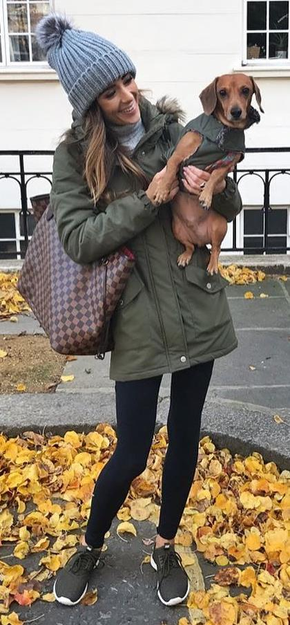 street style perfection / hat + parka + leggings + sneakers + bag
