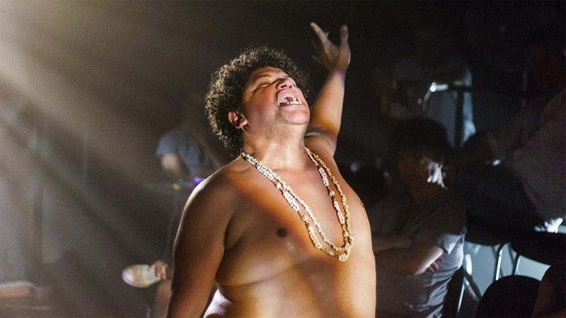 """ator Otacilio Alacran, protagonista em """"Peça para quem não veio"""", em sessão experimental no Teatro da USP, em março de 2017. Foto: acervo Maria Shu"""