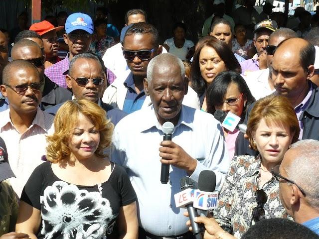 Yomaira Medina da inicio a los trabajos de asfaltado, San Juan