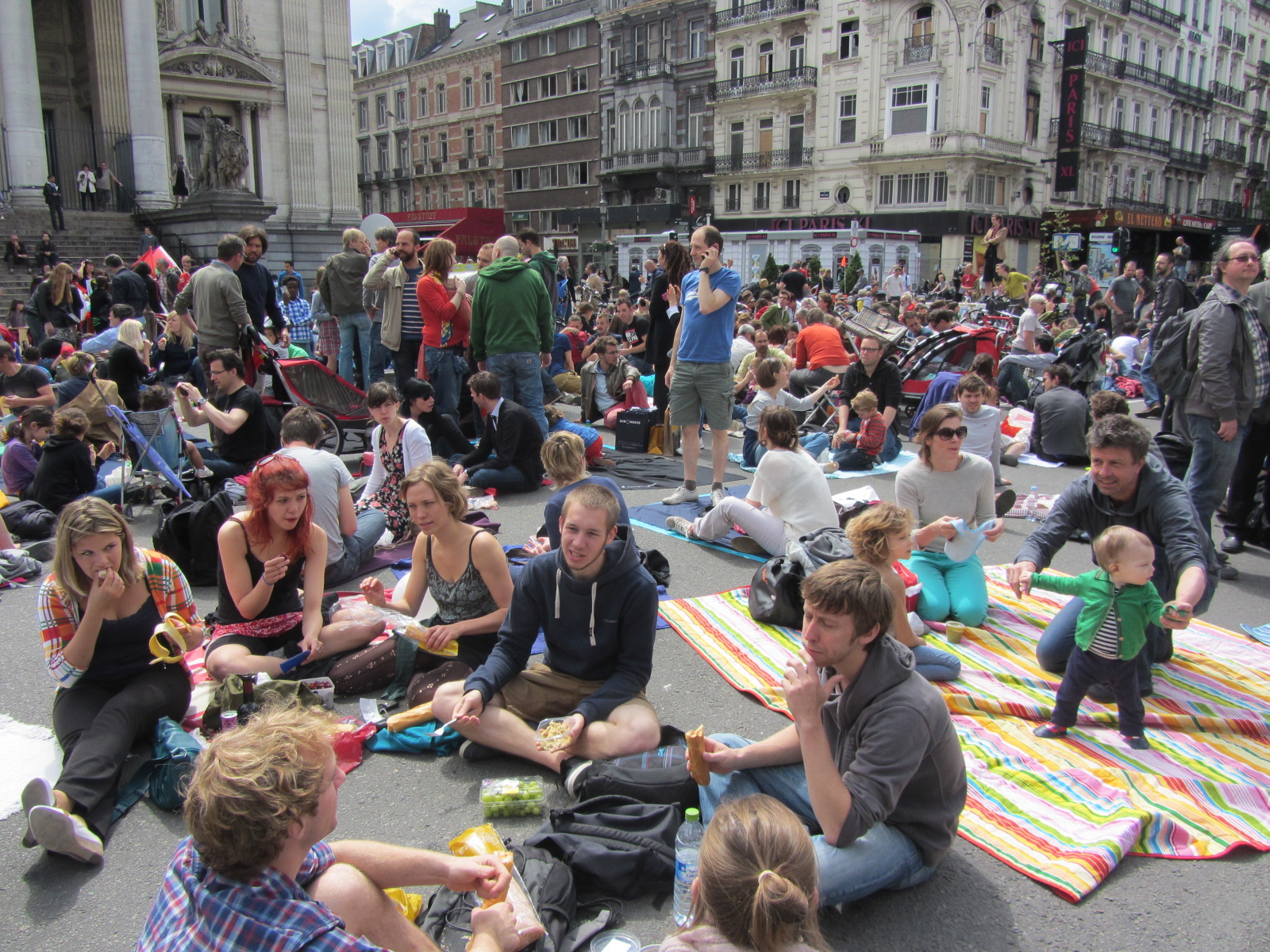 Brussels Residents Picnic To Reclaim The Streets