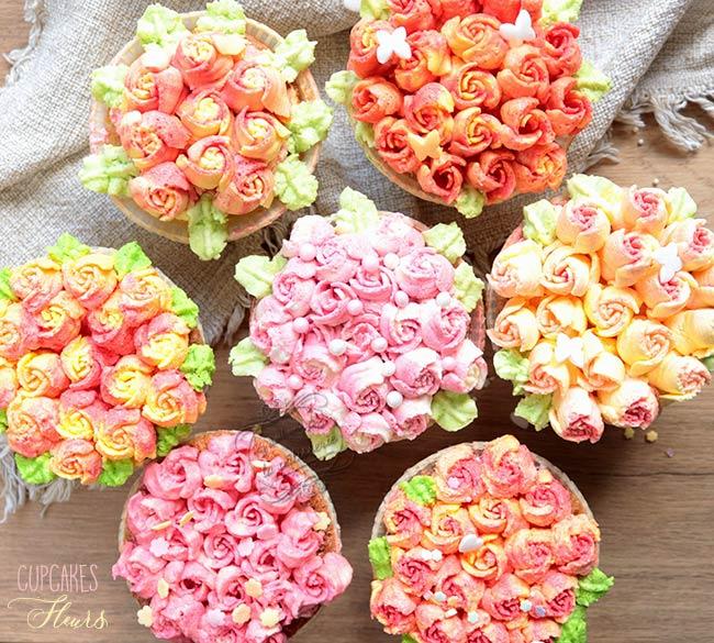 cupcakes fleurs avec une douille