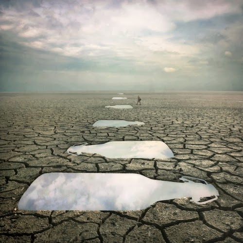 04-Dry-Water-Photographer-Dariusz-Klimczak-Surreal-Dream-World-www-designstack-co