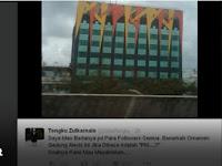 "Tengku Zulkarnain: Benarkah Ornamen Alexis Bisa Dibaca ""PKI""?"