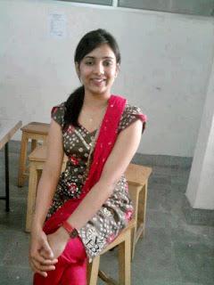cute Indian women pic, charming Indian women pic