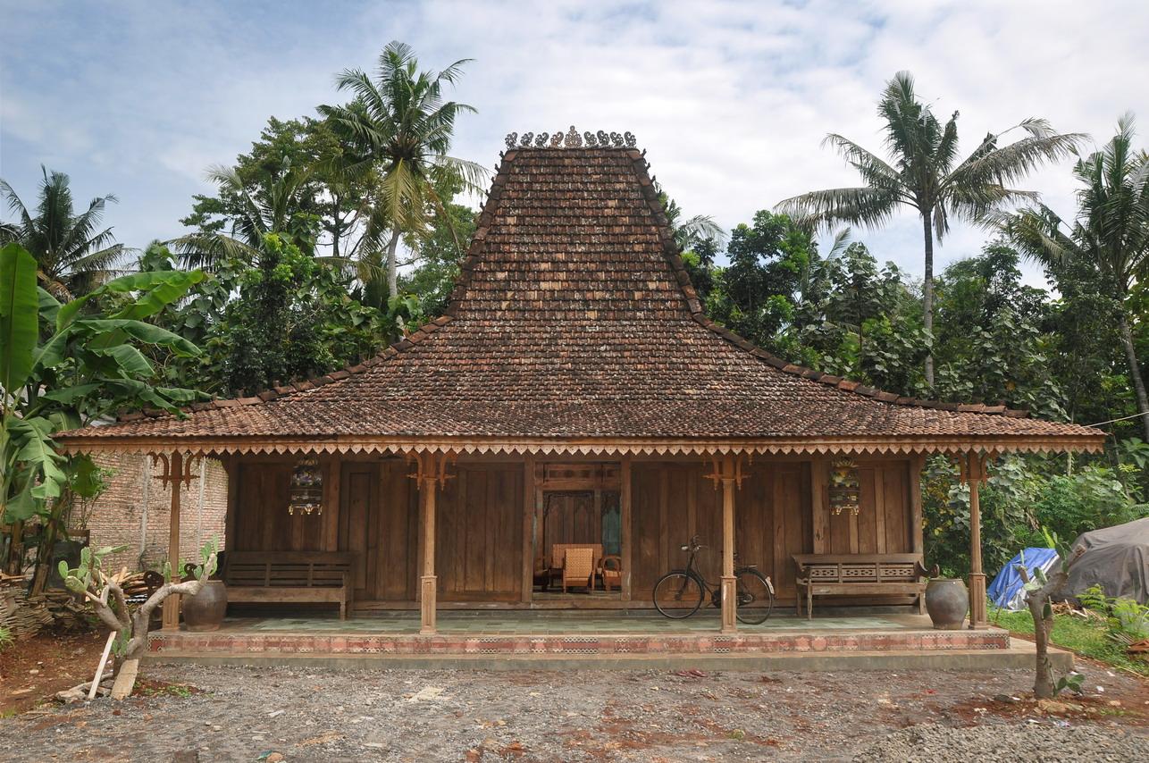 Deskripsi Rumah Adat Joglo dalam Bahasa Jawa  Hole Sciences