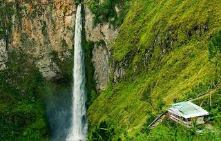 Tempat Wisata di  Sumatera Utara sipiso-piso tongging