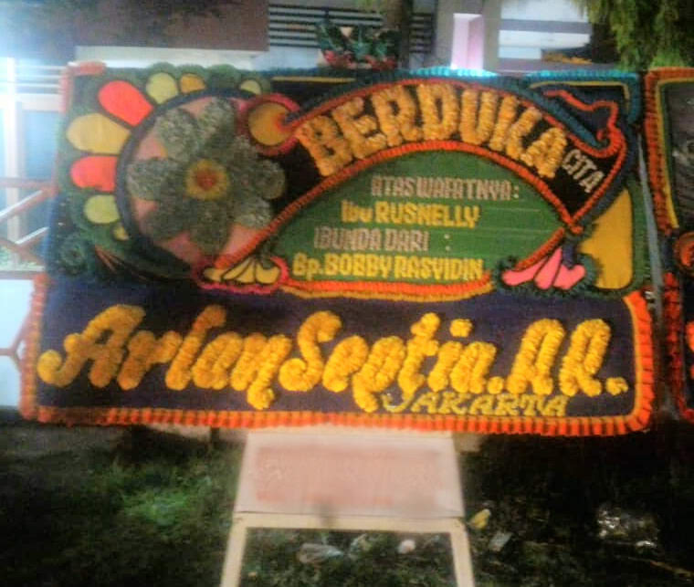 Toko Bunga Papan di Padang
