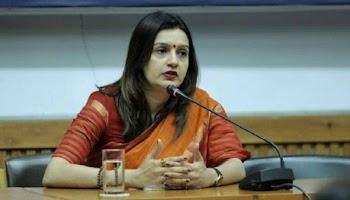 Breaking News : Congress Spokesperson Priyanka Chaturvedi Resigns From Party