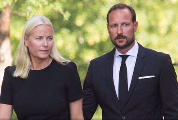 Nicolai Roan's wife Nina Jensen is a close friend of Crown Prince Haakon and Crown Princess Mette-Marit. Siv Jensen
