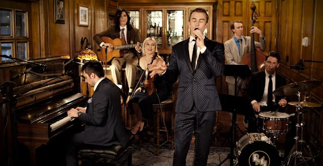 """""""High Hopes"""" do Panic! At The Disco ganha versão inspirada em Frank Sinatra, confira!"""