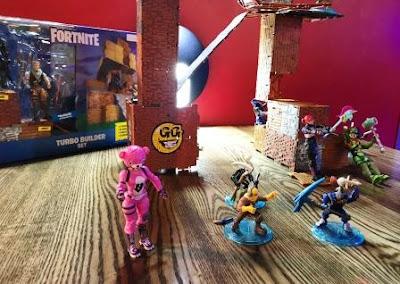 Fortnite Battle Royale figurines on table