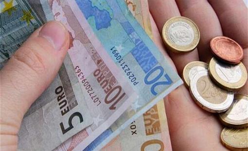 Επίδομα 400 ευρώ σε άνεργους νέους ανακοίνωσε η υπουργός εργασίας Έφη Αχτσιόγλου