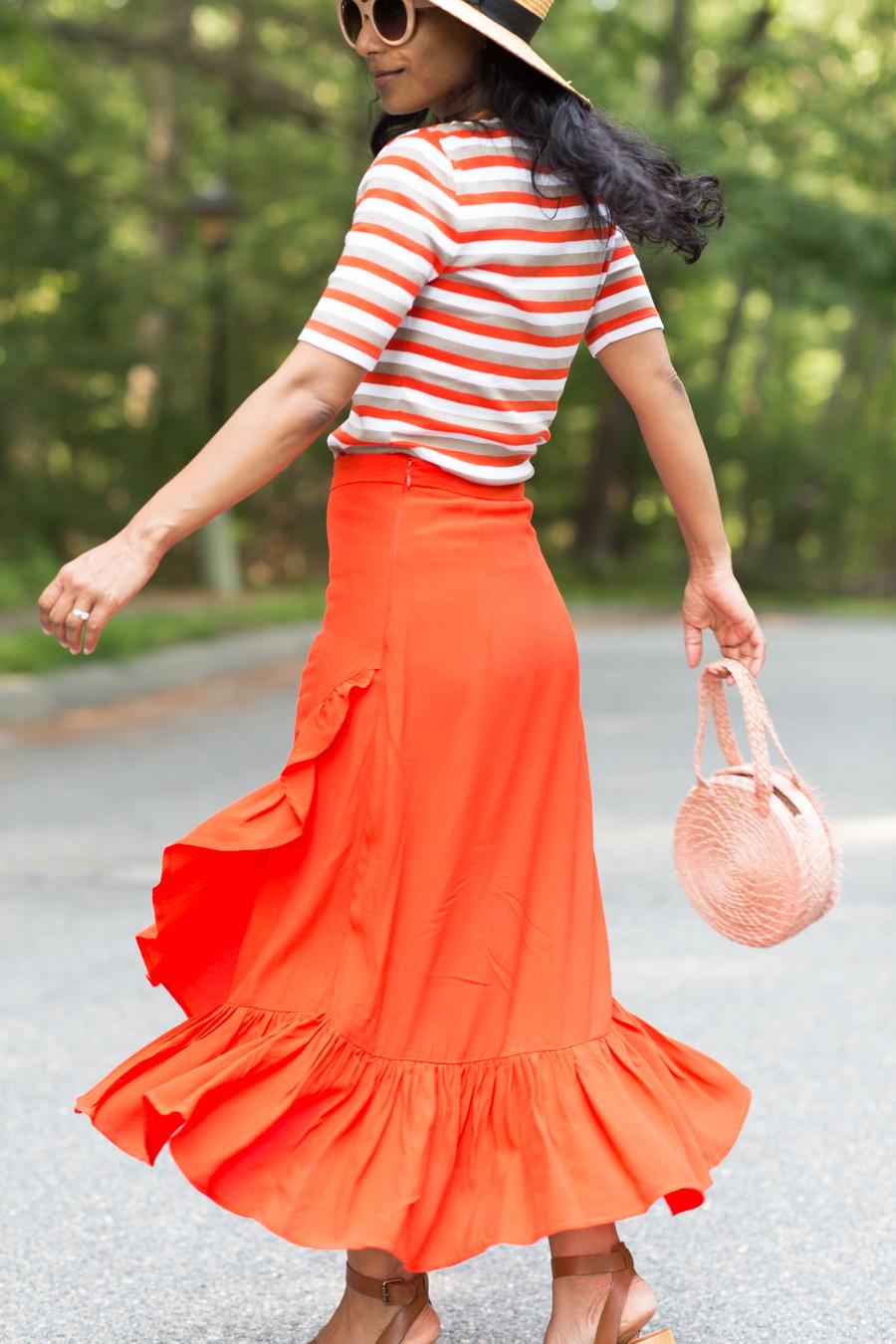 petite fashion, midi skirts, ruffle skirt, flounce skirt, H&M, colorful style, petite womens fashion