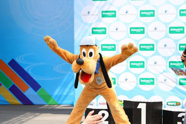 2df971f713cf1 Os vencedores da corrida nas categorias feminina e masculina (opção de 8km)  serão premiados com uma viagem com acompanhante para participar da Disney  Magic ...