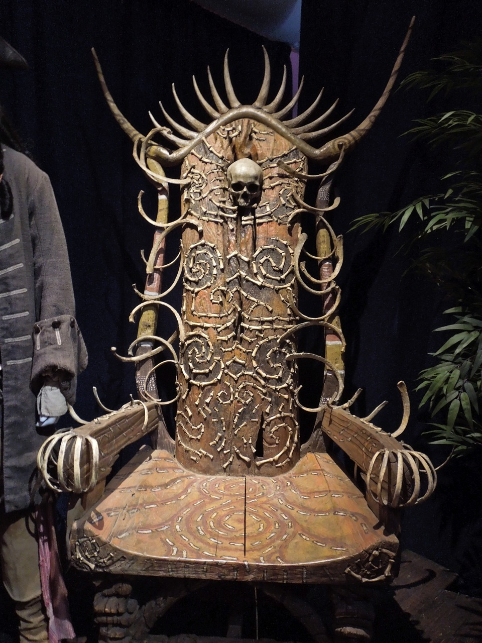 black gothic throne chair red chairs in living room hollywood movie costumes and props: bone other cool props from pirates of the ...