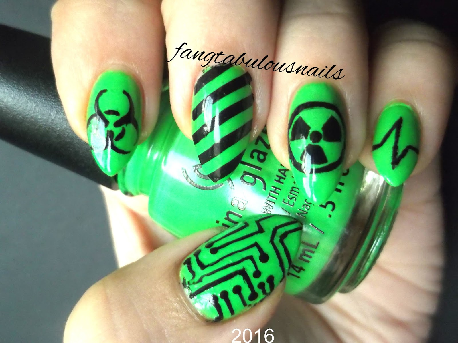 Fangtabulous nails: Cyber Goth
