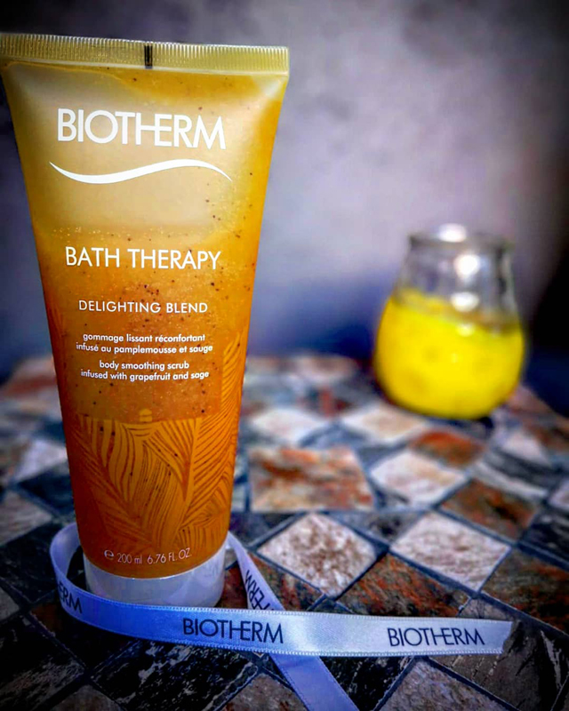 body-smoothing-scrub-biotherm