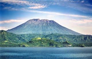 Misteri 7 Gunung Indonesia yang Terkenal Paling Angker