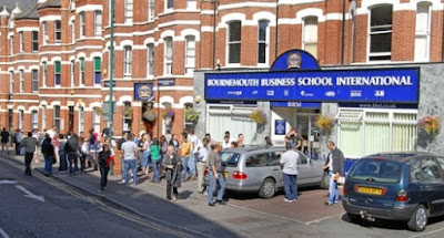 Bournemouth Business School International. Курсы английского языка для взрослых в Борнмуте.