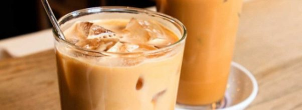 4 Cara mudah membuat es kopi instan yang enak di rumah