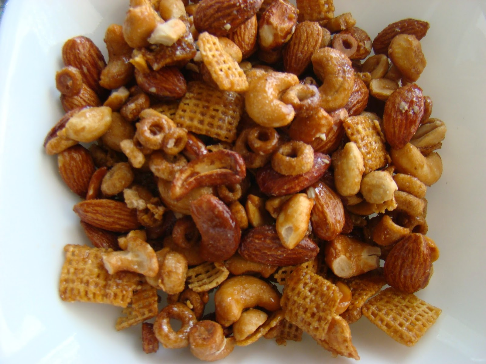 My Favorite Recipes Collection: Chex Mix Nutty Sweet Snack