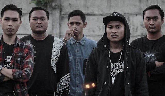 Tikam Merilis Video Guitar Playthrough dari Album Debut 'Jurnal Amarah'