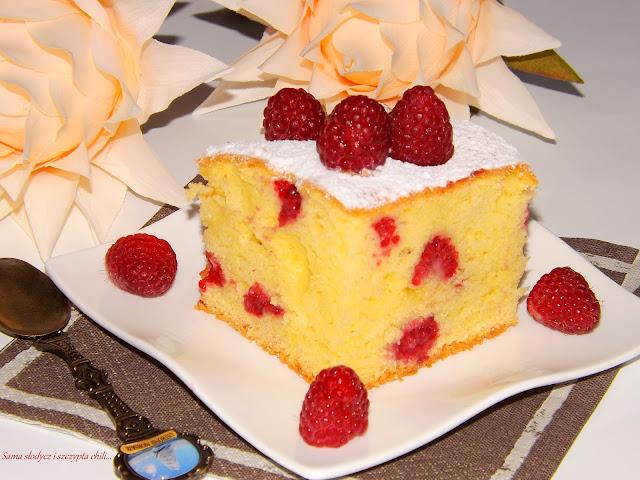 Ciasto z malinami, pyszne i delikatne.