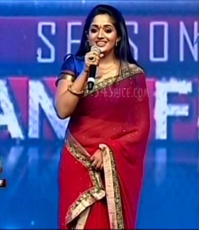 All Pictures Gallery 4u: Kavya Madhavan Hot Navel Show In
