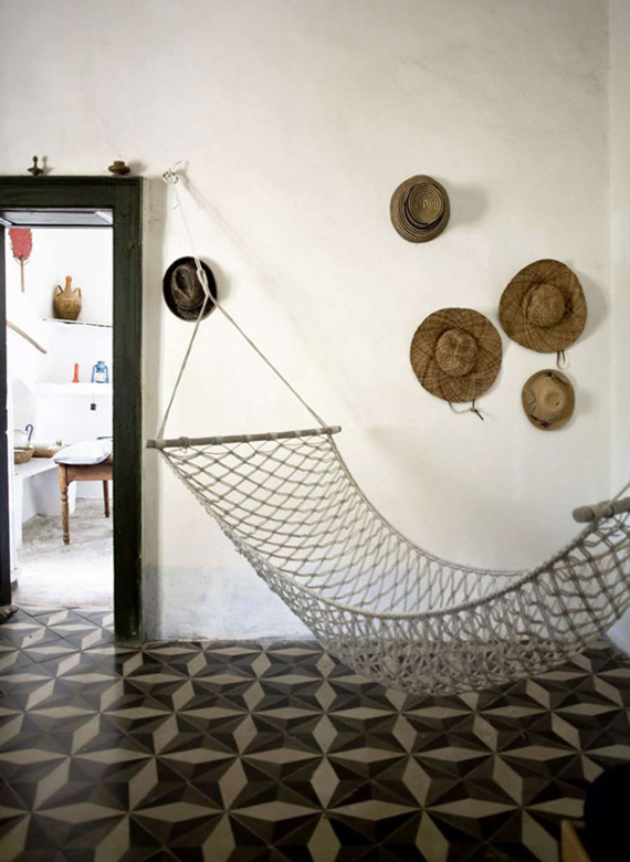 Contemporary rustic minimalism |Image via Ginostra B&B MareSole