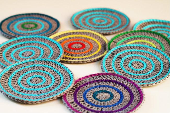 Small crochet projects, 1 ball crochet projects. Roller coasters by Haak maar raak | Happy in Red
