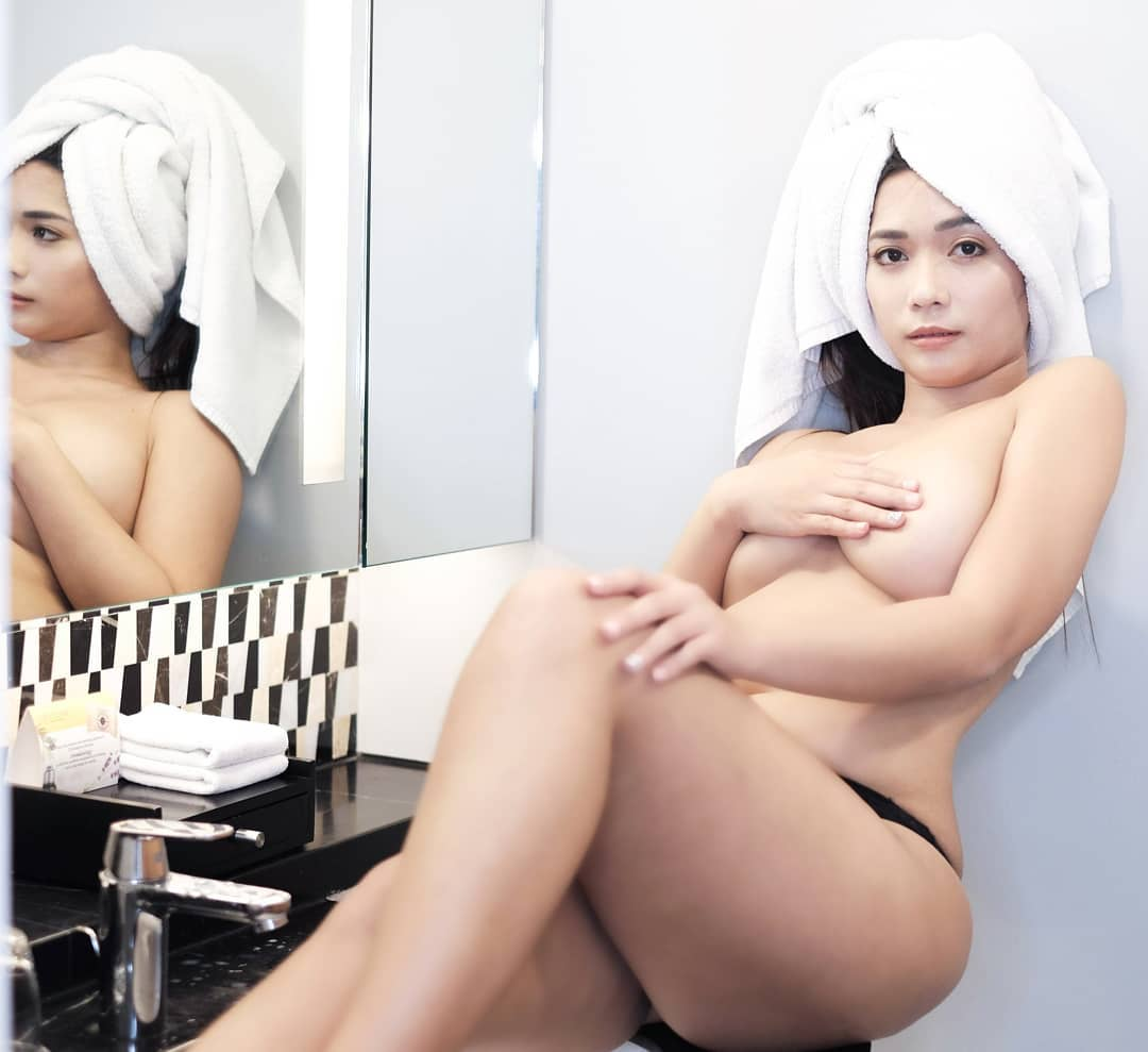 alyzza felix sexy topless pics 02
