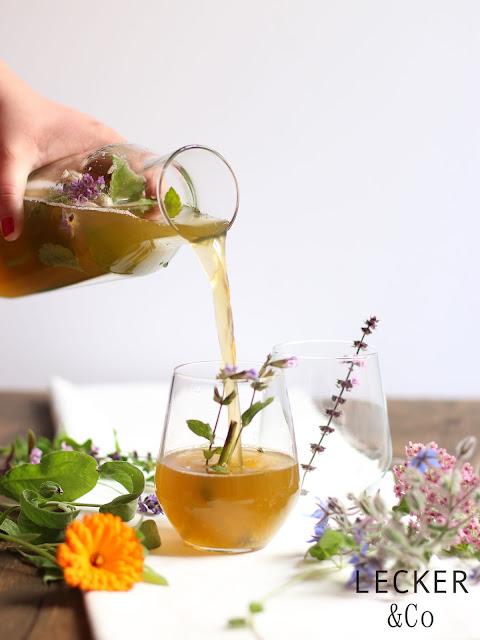 Foodblogger, lecker, Blog, Foodblog, Yummy, selbstgemacht, homemade, Blogger, Tina, leckerundco, limo, limonade, kräuter, wildkräuter, wildkräuterlimo, wildkräuterlimonade, widkräuterlimo, kräuterlimo