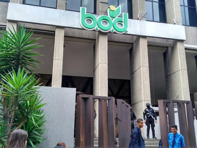 Sitiada Torre B.O.D. por efectivos del Dgcim durante tres horas en Caracas
