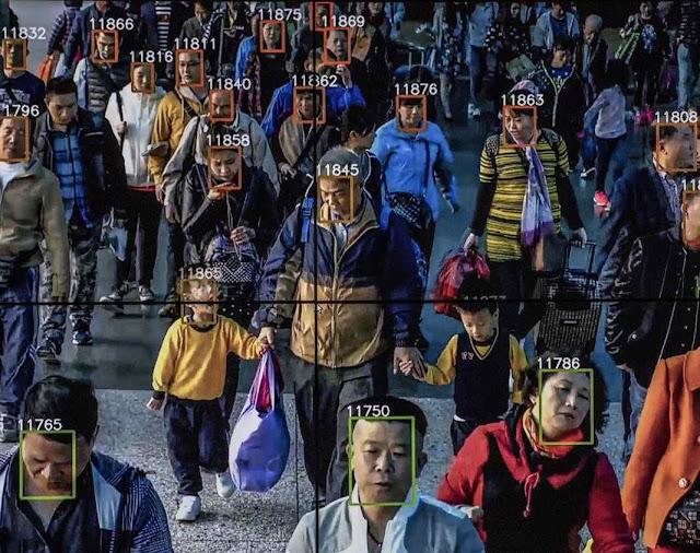 Software de reconhecimento facial da empresa de inteligência artificial Megvii, aplicado em Pequim.