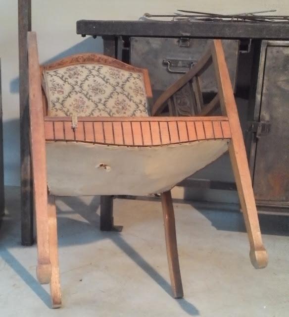 ancien fauteuil art nouveau tardif poque d but art deco sculptures. Black Bedroom Furniture Sets. Home Design Ideas