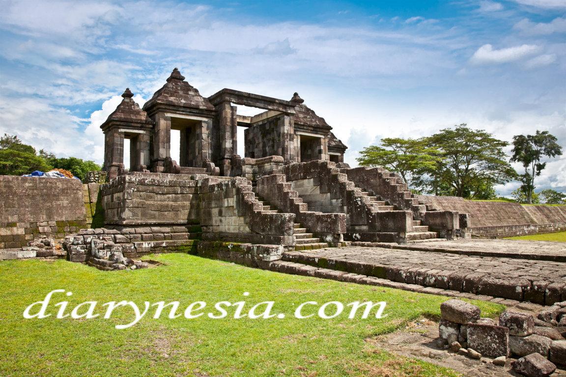 ratu baka temple, best tourist attractions in yogyakarta and klaten, yogyakarta tourism, diarynesia