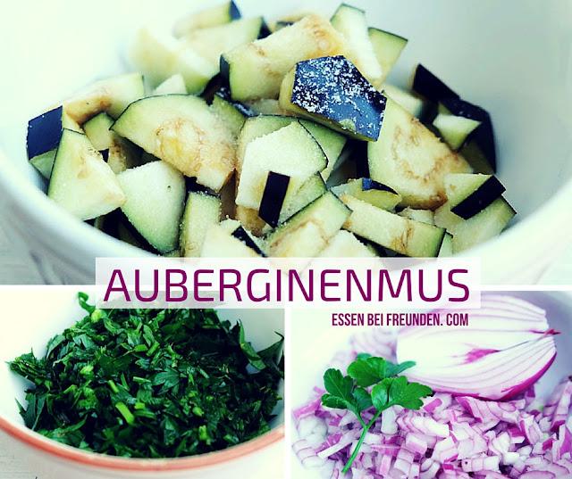 Ein osaik von Auberginen, Petersilie und Zwiebeln