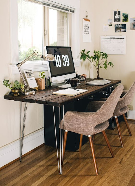 полноценное рабочее место, с дизайнерским столом