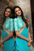Priyashri sizzling at Majnu audio-thumbnail-18