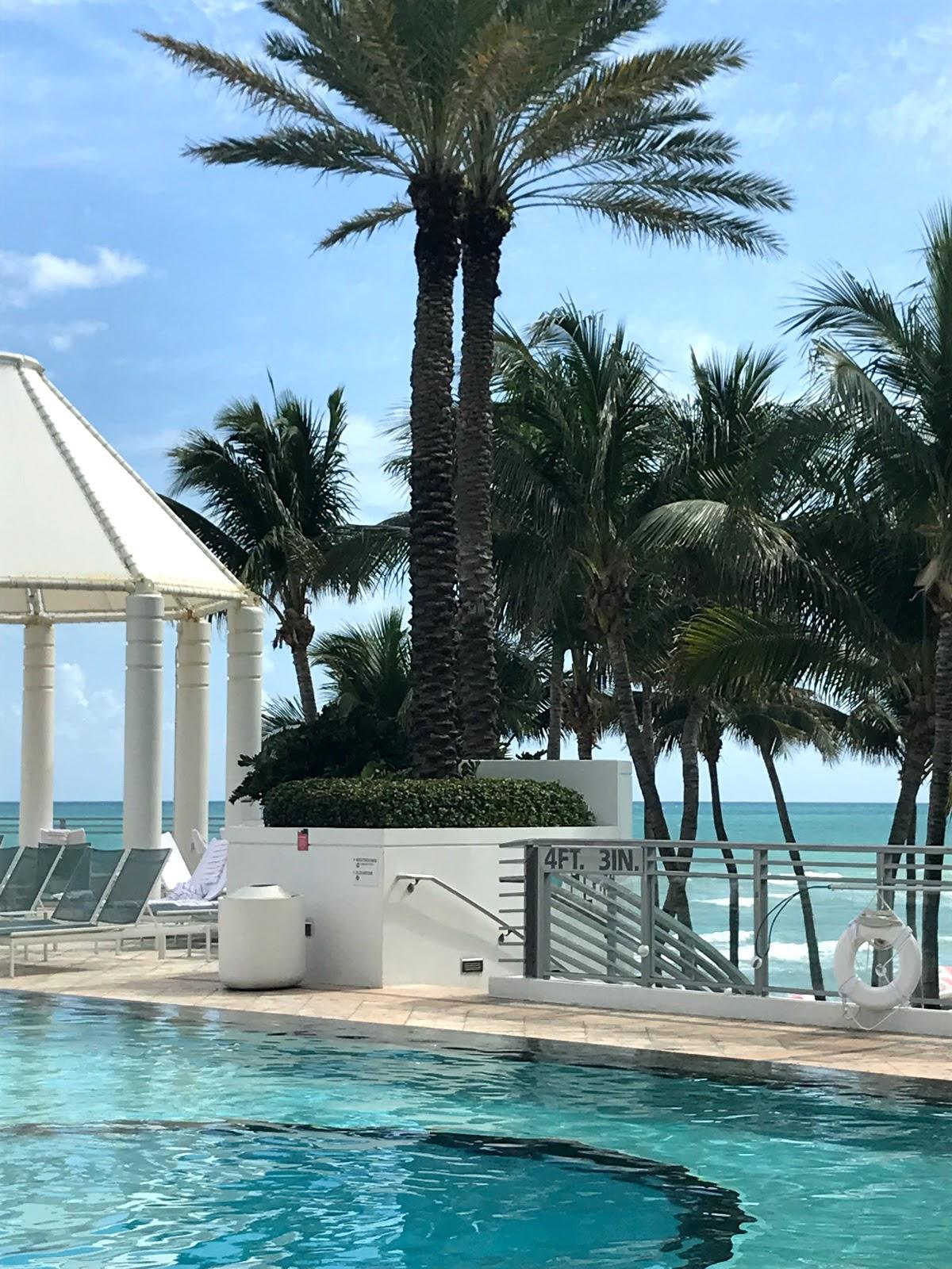 Diplomat hotel in Hollywood Florida, diplomat pool in Hollywood Florida