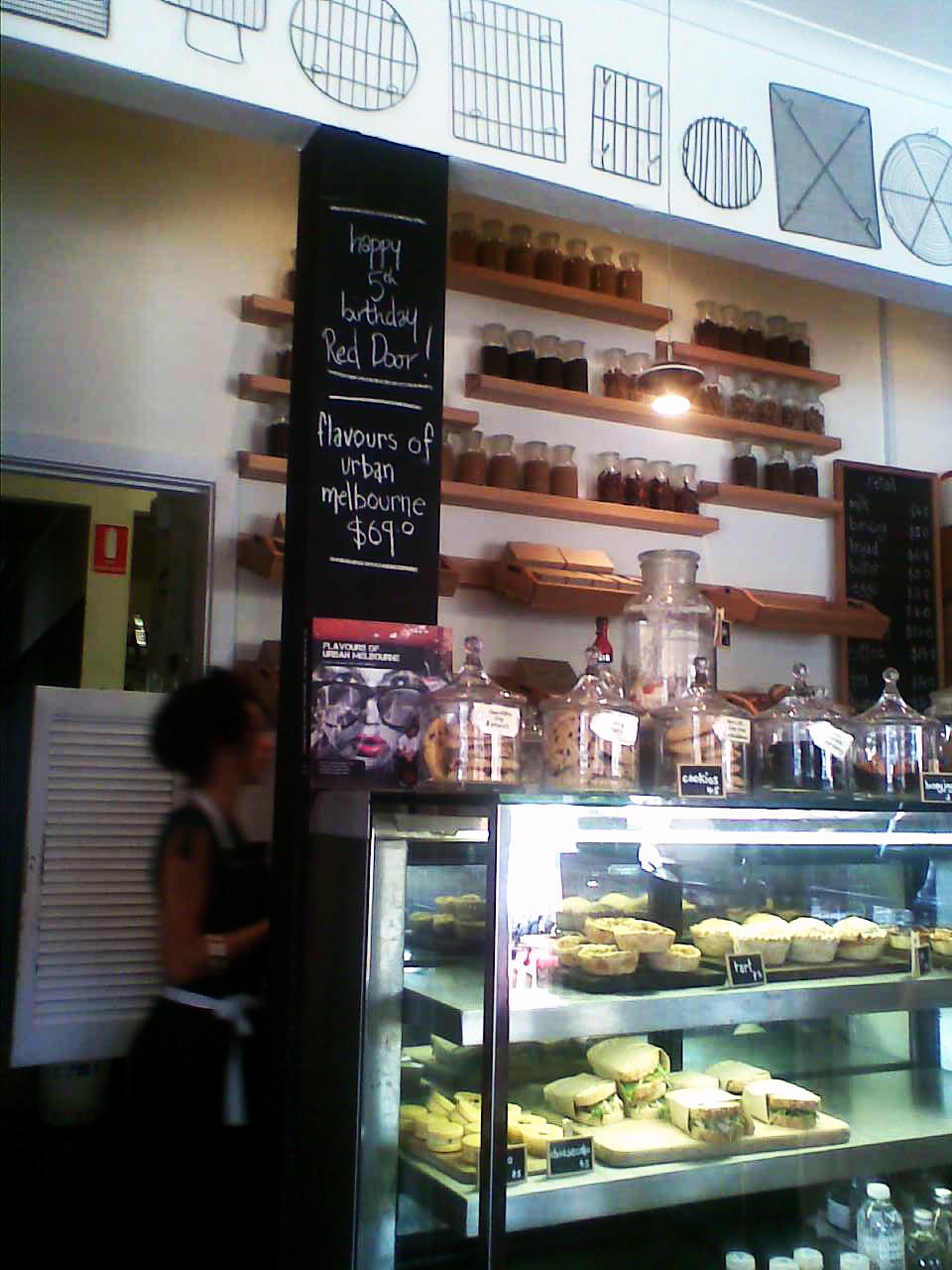Mary Berry Coffee And Walnut Sponge Cake