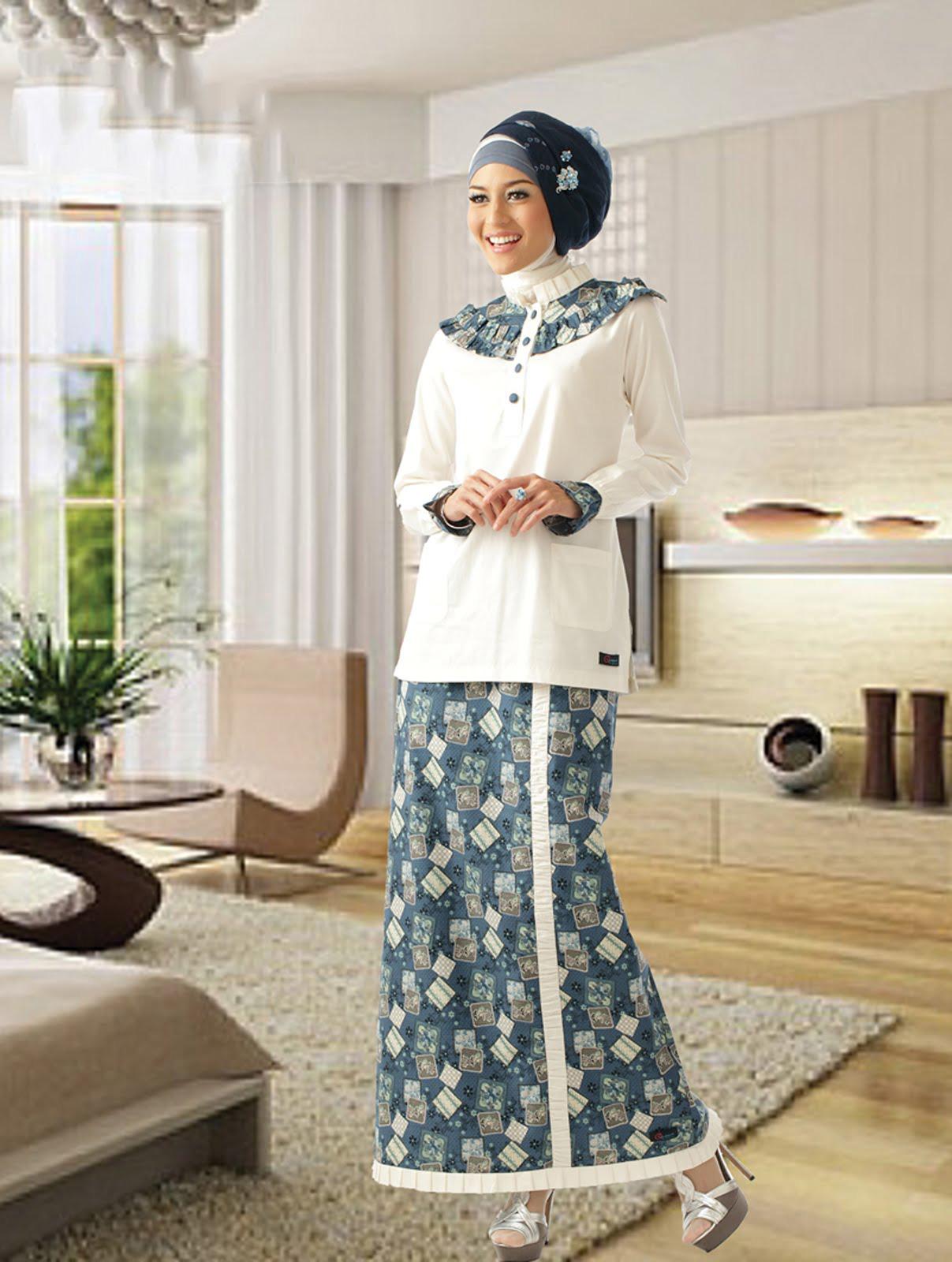 60+ Model Gamis Batik Kombinasi Polos Muslimah Modern 2018 ...