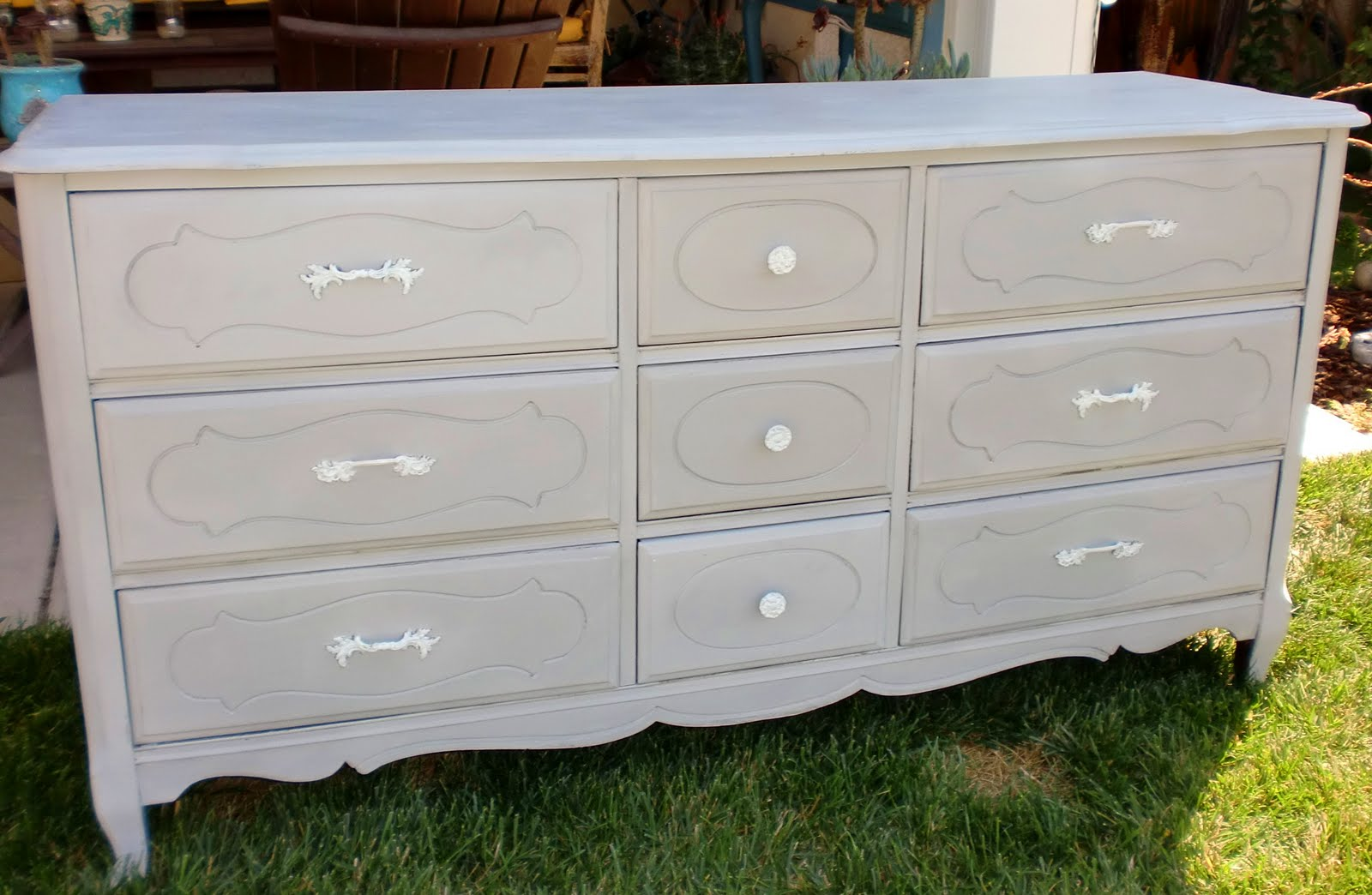 Completely new Embellish & Restore: Dresser in Paris Grey PQ13