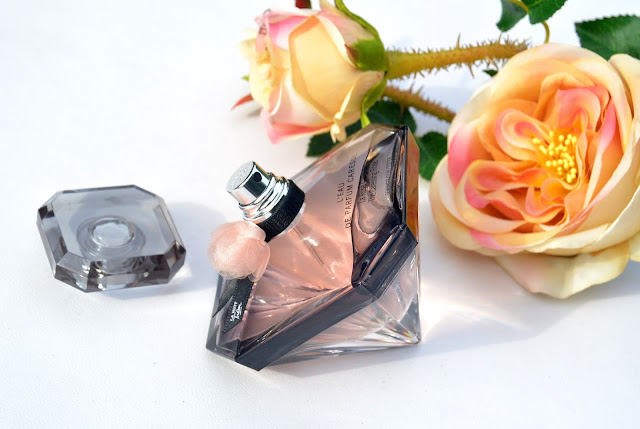 La Nuit Tresor Caresse Review