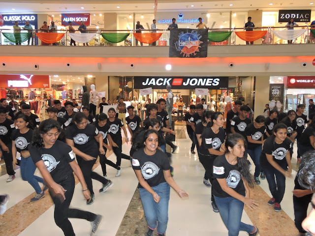 Flash Mob conducted by college students to create awareness about KORUM's campaign to encourage Digital payments