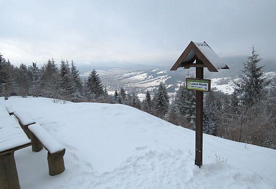 Widok z Lubonia Wielkiego w stronę doliny Tenczynki.