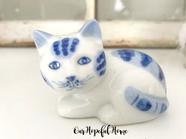 blue white porcelain cat salt shaker