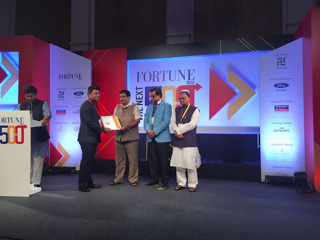 Mr. Deepak Chiripal, CEO, Nandan Denim Ltd receiving award from  Shri Nitin Gadkari, Union Minister for Road Transport and Highways and S